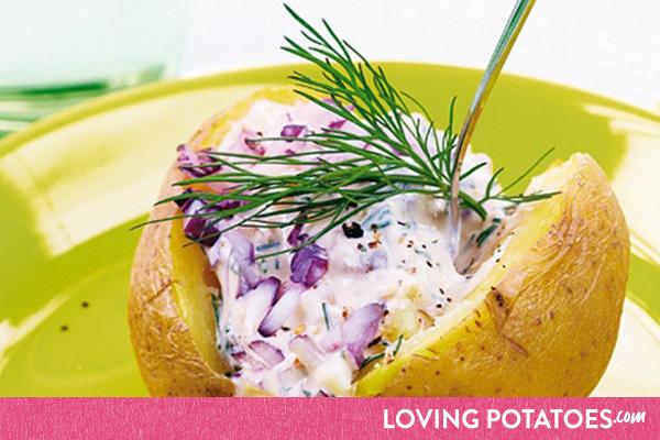 MijnAardappel.nl - Recept Gevulde aardappel met rode ui en anjovis