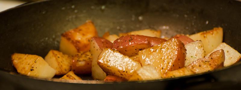 Aardappelen bakken - zo doe je het! Lees de basisbereiding op LovingPotatoes.com