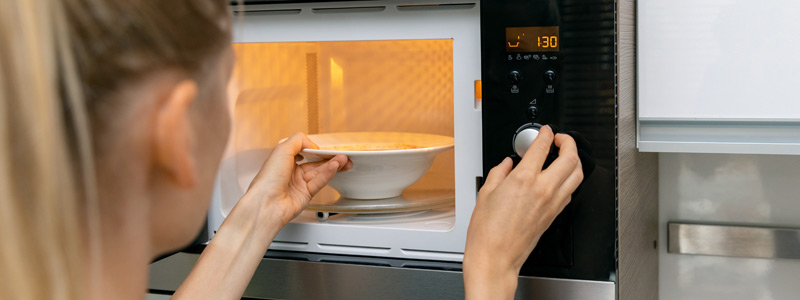 Aardappelen koken in de magnetron - zo doe je het! Lees de basisbereiding op LovingPotatoes.com