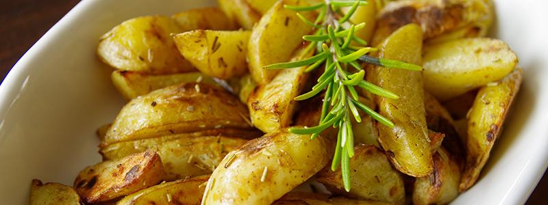 Aardappelen bereiden in de oven - zo doe je het! Lees de basisbereiding op LovingPotatoes.com